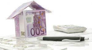 Los extranjeros acaparan el 20,3% de la compraventa de vivienda realizada en el primer semestre, según los notarios