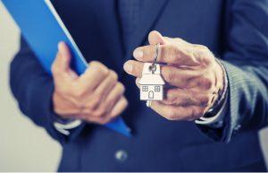Cómo conseguir los 10.800 euros que ofrece Fomento a los jóvenes para comprar un piso