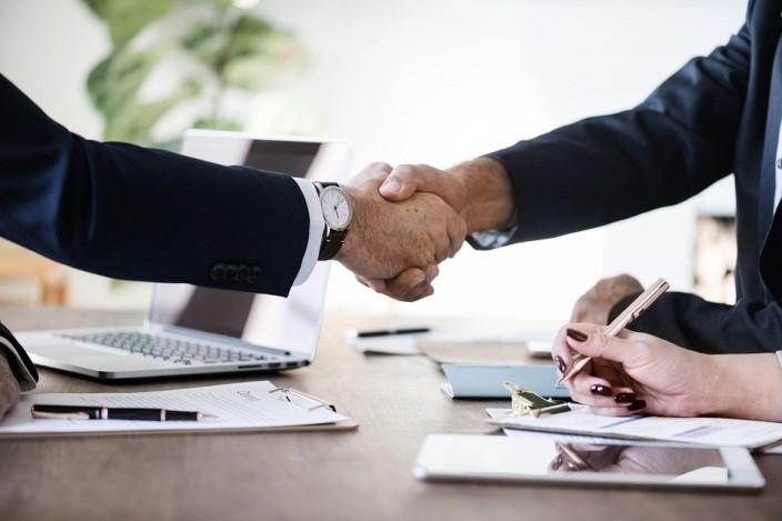 5 ventajas de contratar a una inmobiliaria para vender su propiedad