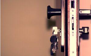 ¿Cómo hacer la entrega de llaves de un inmueble?
